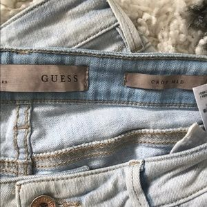 Guess distressed crop size 30